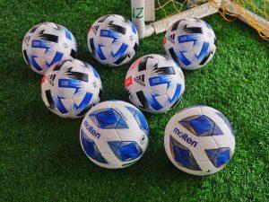 サッカーボールの集まり