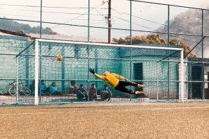 GKとサッカーゴール